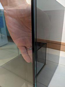 スモークガラスの見え方